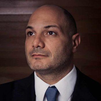 Rodrigo Business HeadShot-min